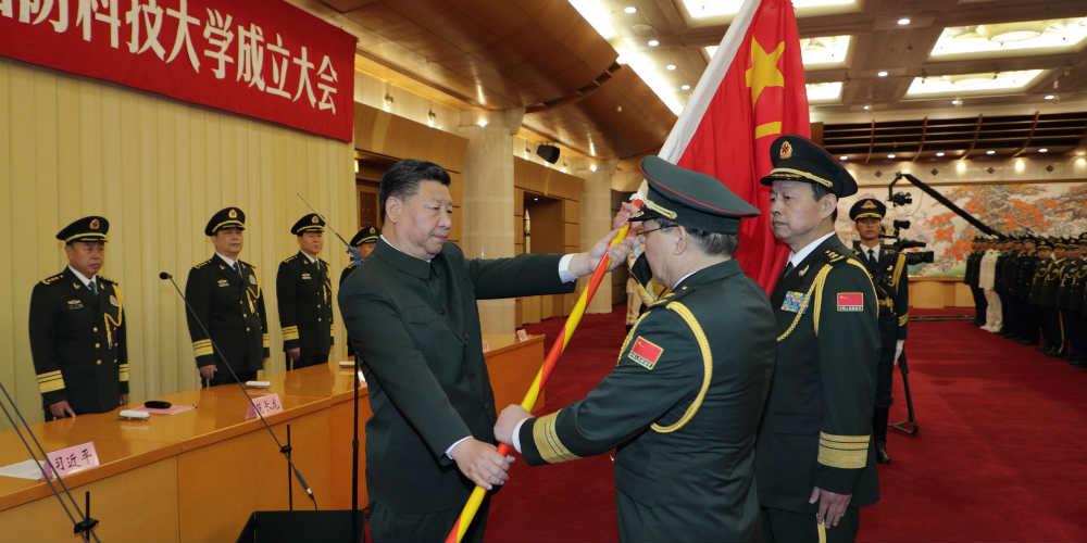 Xi Jinping pede progresso em educação e pesquisa militares