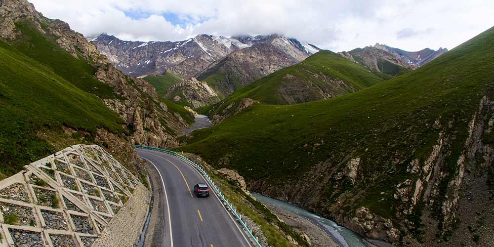 Em imagens: Rodovia mais bela de Xinjiang