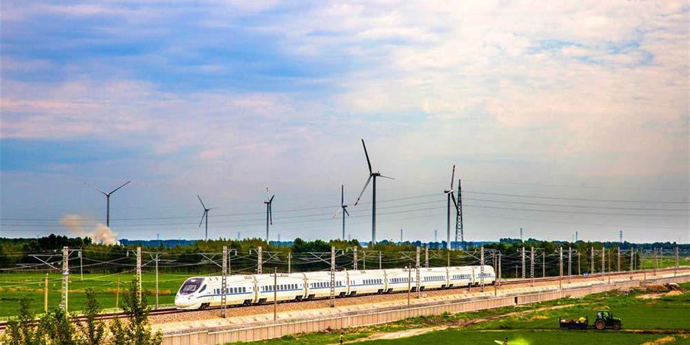 Ferrovia ligando Changchun, Baicheng e Ulanhot em operação de testes