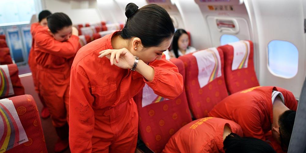 Dia dedicado à segurança da aviação em base de treinamento no sul da China