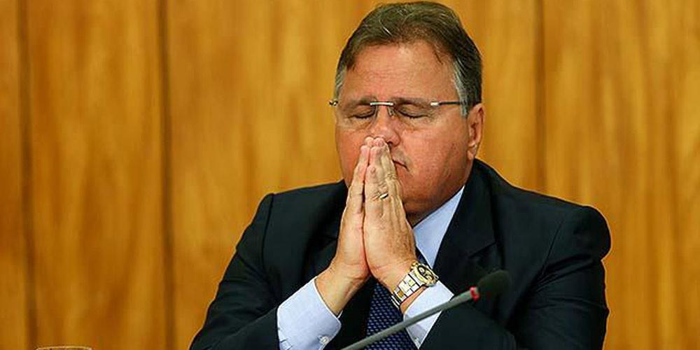 Ex-ministro brasileiro é acusado por obstrução à justiça