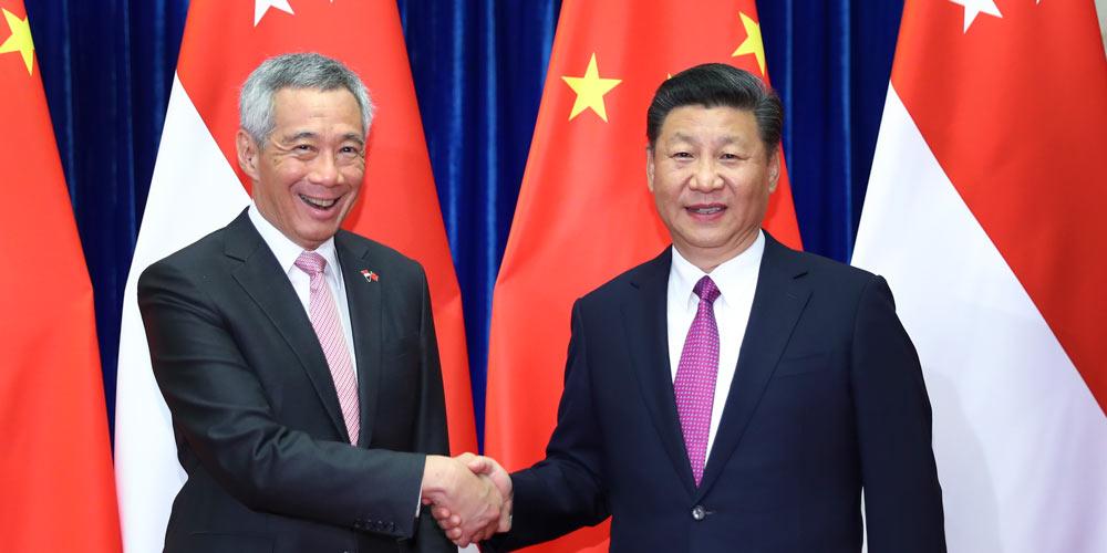 Xi se reúne com premiê cingapuriano sobre laços bilaterais