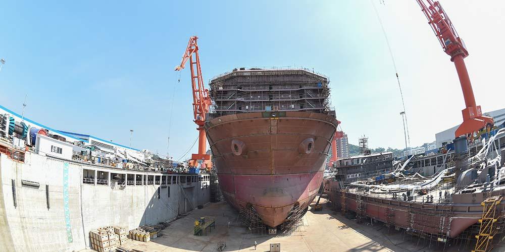 China fabrica primeiro navio do mundo para mineração em mar profundo
