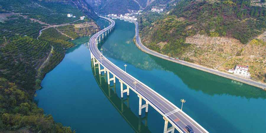 Indústrias modernas e transporte ajudam seis províncias chinesas a desenvolverem-se rapidamente