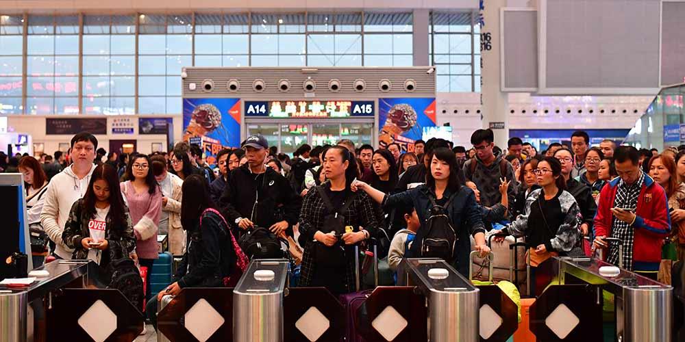China tem pico de viagens no último dia do feriado do Dia Nacional