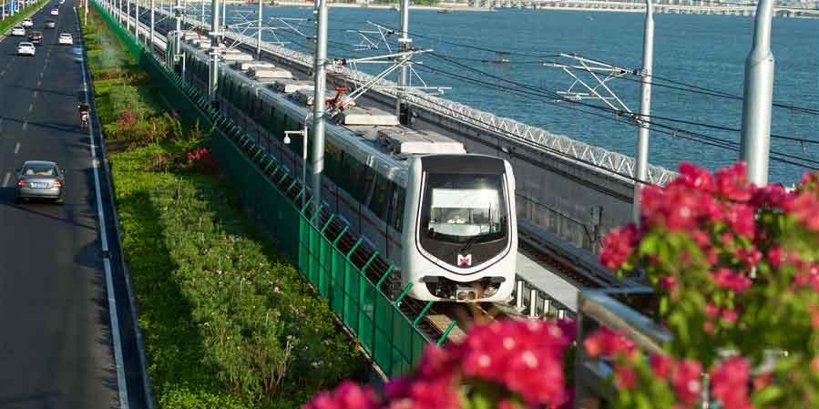 Linha do metrô com vista para o mar encerra operação de testes em Xiamen