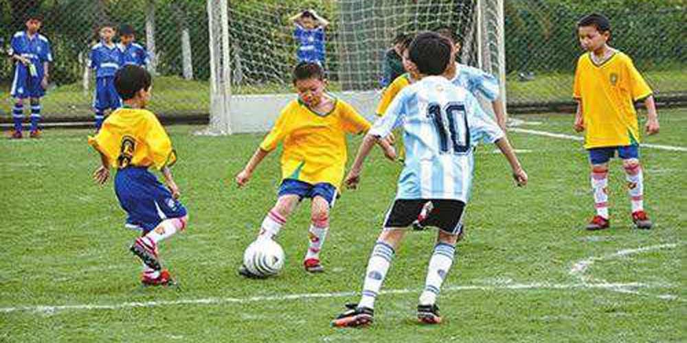 China triplica zonas especiais para promover futebol nas escolas