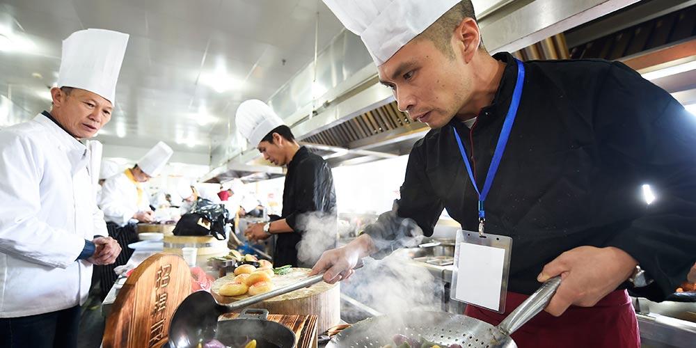 Concurso de culinária é realizado em Hangzhou, no leste da China