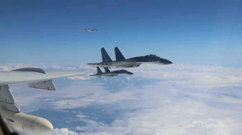 Força aérea chinesa realiza exercício de patrulha