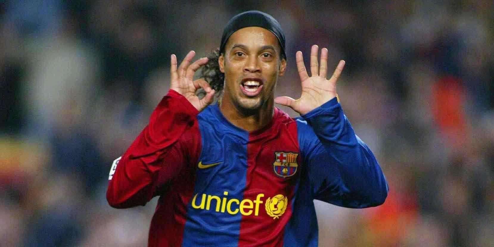 Ronaldinho se aposenta do futebol