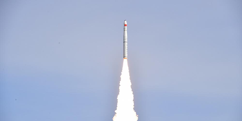 China lança dois satélites de sensoriamento remoto