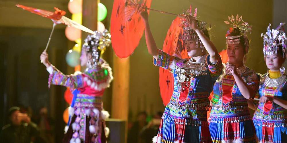 Festa da Primavera da etnia Miao em Zhuang de Guangxi