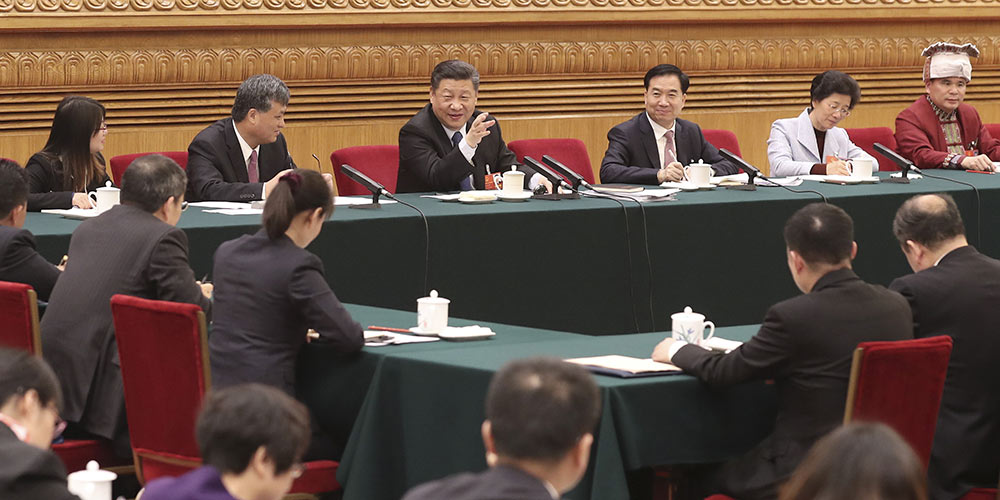 Líderes chineses se reúnem com legisladores nacionais em discussões de grupo