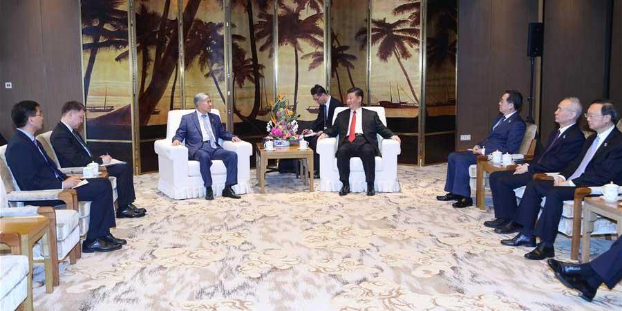 Xi reúne-se com ex-presidente do Quirguistão sobre cooperação bilateral