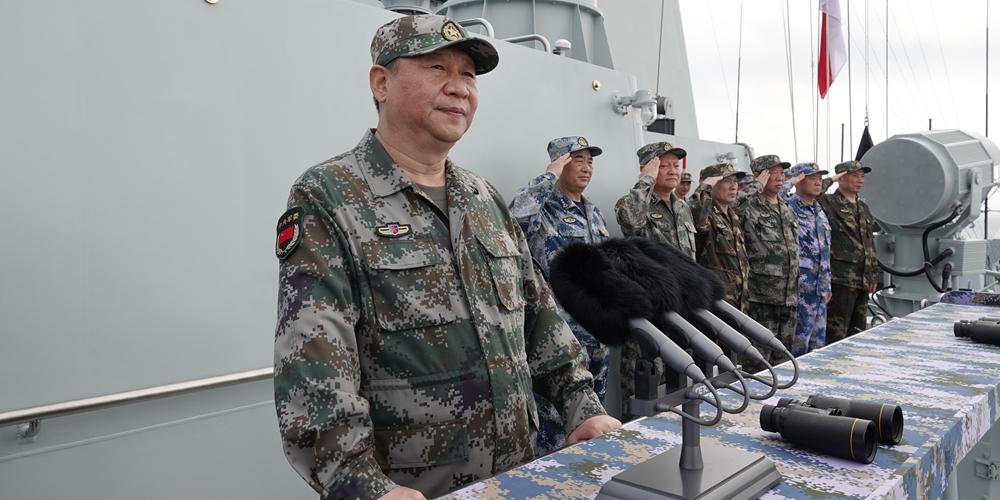 Presidente Xi inspeciona marinha no Mar do Sul da China
