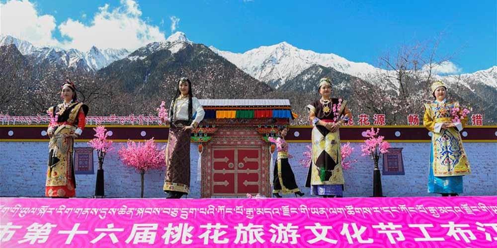 Cerimônia de lançamento da temporada de turismo no Tibet