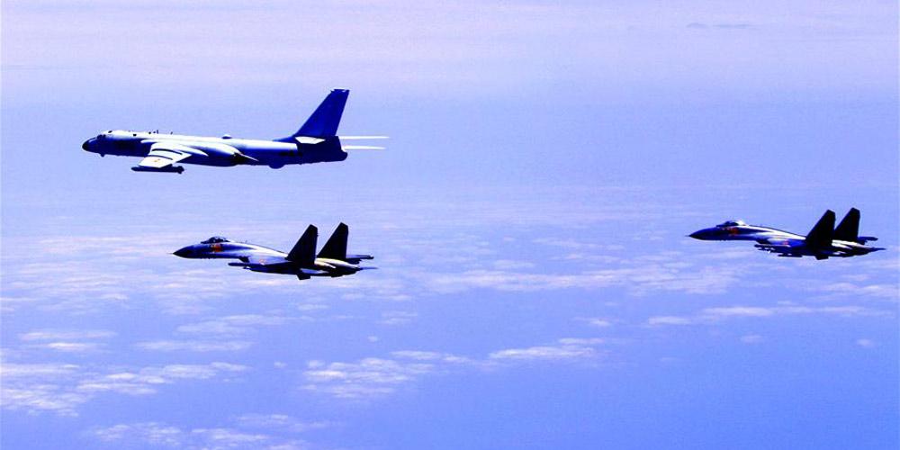 Formação da força aérea chinesa conduz patrulhas à ilhas