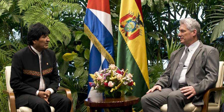 Presidente cubano se reúne com boliviano Evo Morales para fortalecer laços bilaterais