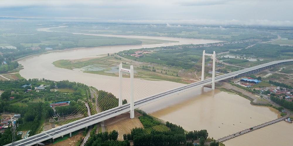 Ponte Qihe do Rio Amarelo entra em operação em Shandong, leste da China