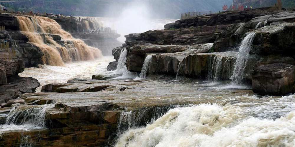 Paisagem da Cachoeira Hukou no Rio Amarelo