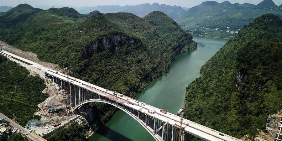 Construção da Ponte Yelanghu, em Guizhou, deverá ser concluída até o final de julho
