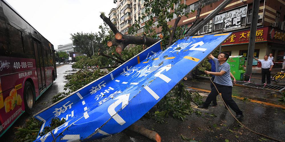 Trabalhos de alívio pós-desastre no sul da China após passagem do tufão Mangkhut