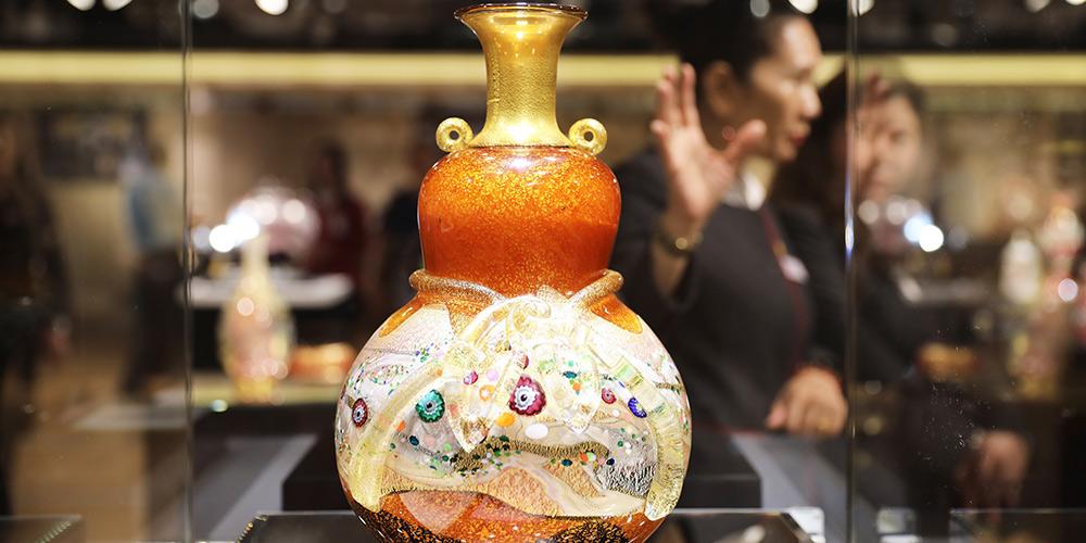 Exposição de vidro japonês realizada em Hong Kong, sul da China