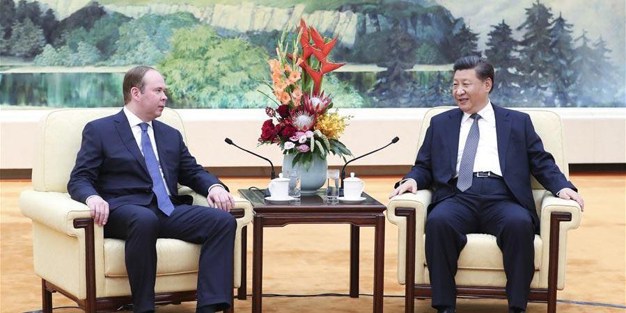 Xi se reúne com chefe da administração presidencial russo