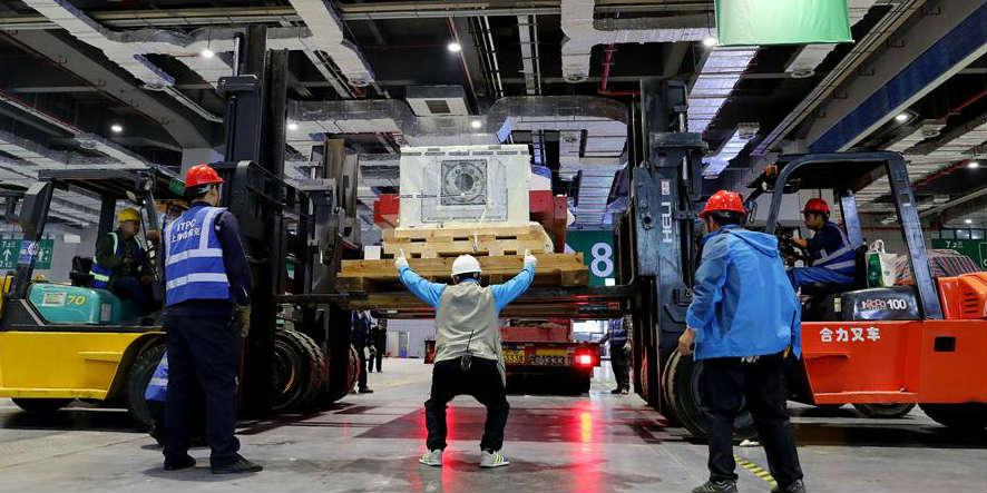 Fresadora Taurus: Maior peça em exposição na Feira Internacional de Importação da China