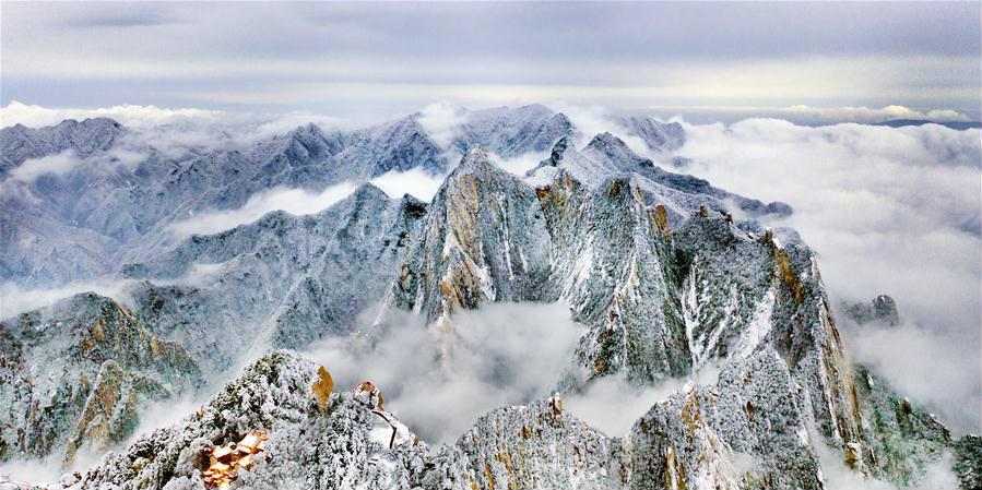 Paisagem de neve do monte Huashan em Shaanxi