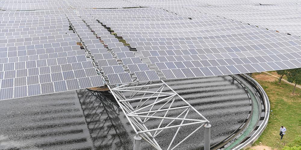 Usina fotovoltaica é construída sobre estação de tratamento de esgoto em Fujian