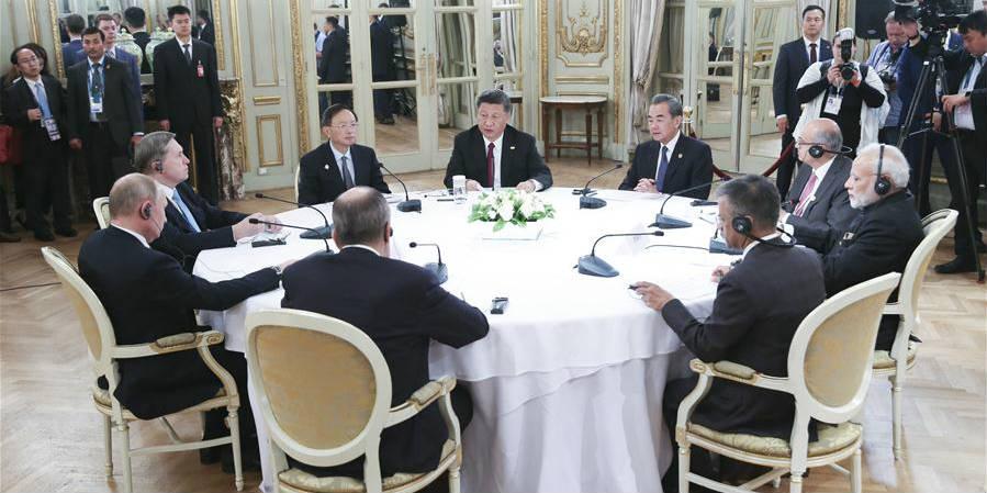Xi, Putin e Modi concordam em aumentar cooperação trilateral