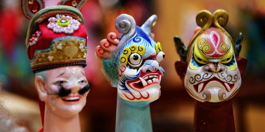 Xu Zhuchu: Herdeiro da escultura de cabeça de marionete de madeira de Zhangzhou