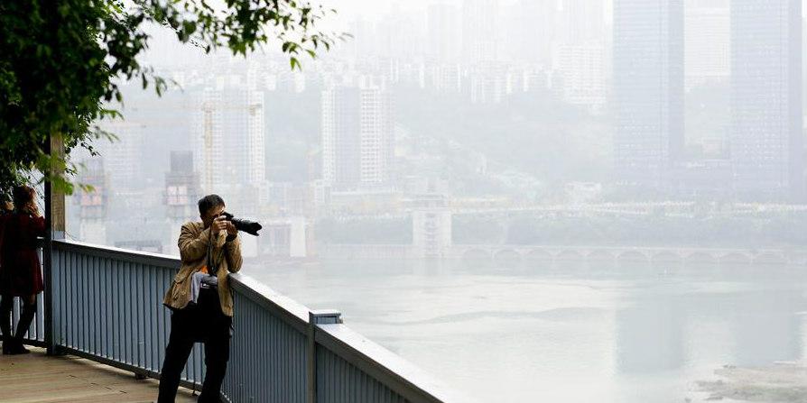 Vias de pedestres recém-renovadas em Chongqing ligam destaques naturais e culturais da cidade