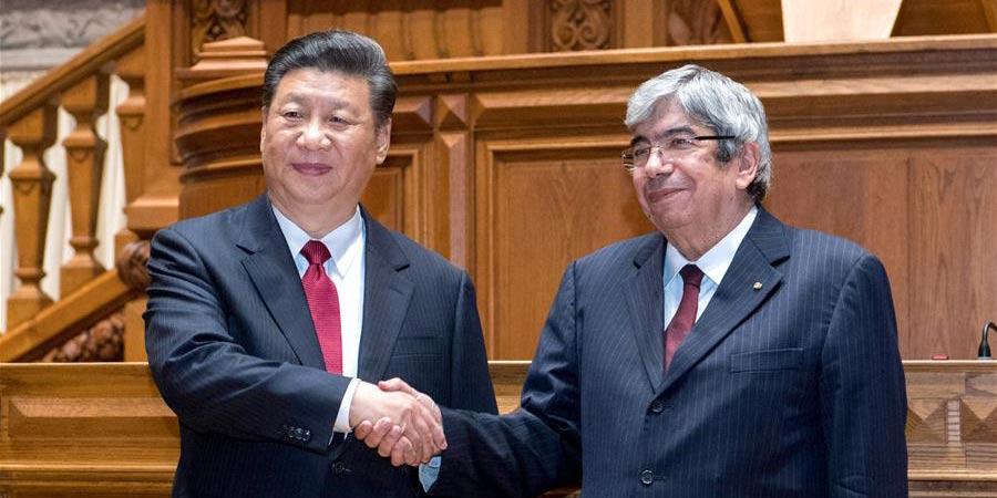Xi reúne-se com presidente do Parlamento português, prometendo cooperação legislativa