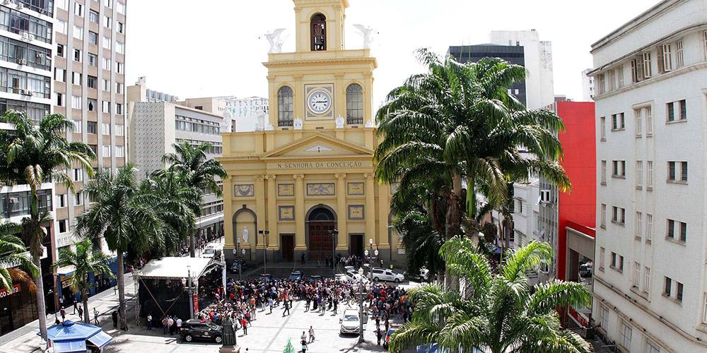 Tiroteio deixa cinco mortos em igreja de campinas