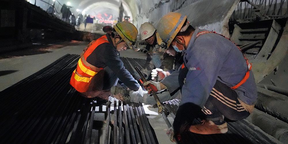 Novo túnel de Badaling da ferrovia de alta velocidade Beijing-Zhangjiakou é concluído