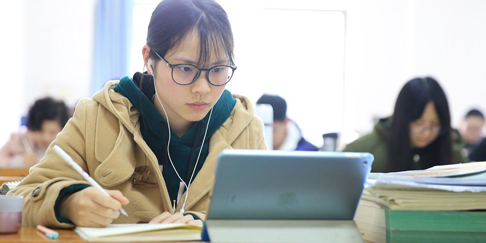 Estudantes chineses se preparam para próximo exame nacional de admissão em estudos de pós-graduação