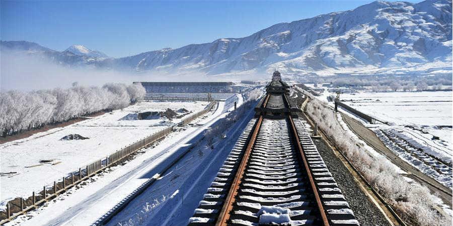 Galeria: Local de construção da seção Lhasa-Nyingchi da Ferrovia Sichuan-Tibet no Tibet da China