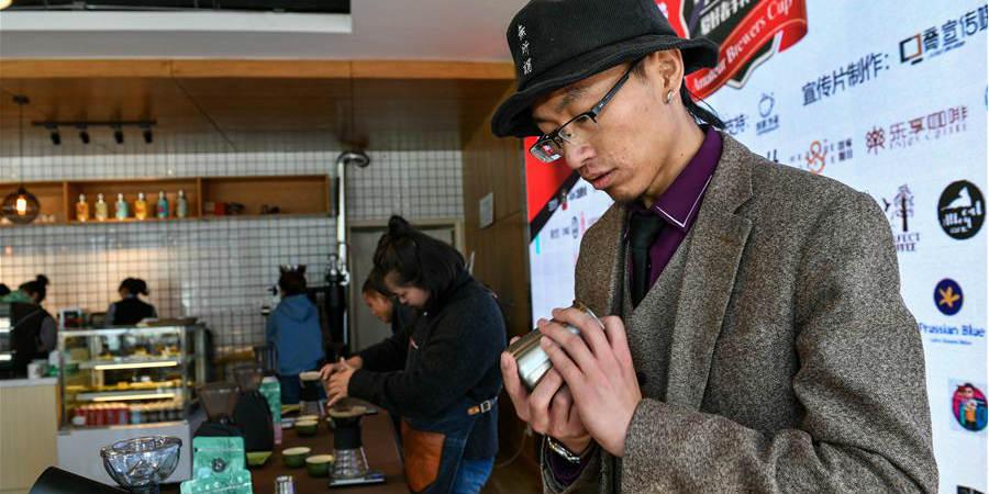 4ª Copa de Cervejeiros Amadores é realizada em Lhasa no Tibet, sudoeste da China