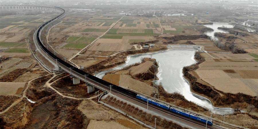 Mais de 7.000 viagens de trem de carga pesada foram feitas na ferrovia Watang-Rizhao em 2018