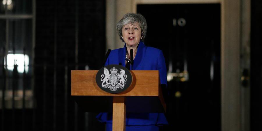 Governo do Reino Unido sobrevive a voto de desconfiança por pequena margem