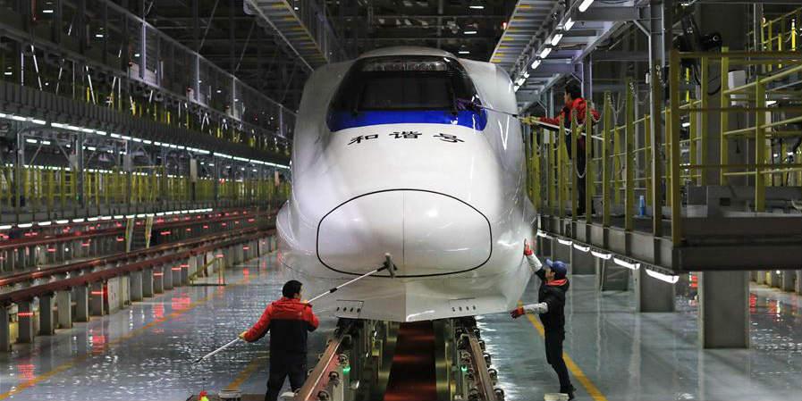 Trens-bala recebem manutenção em Guiyang para garantir segurança para alta temporada de viagens do Festival da Primavera
