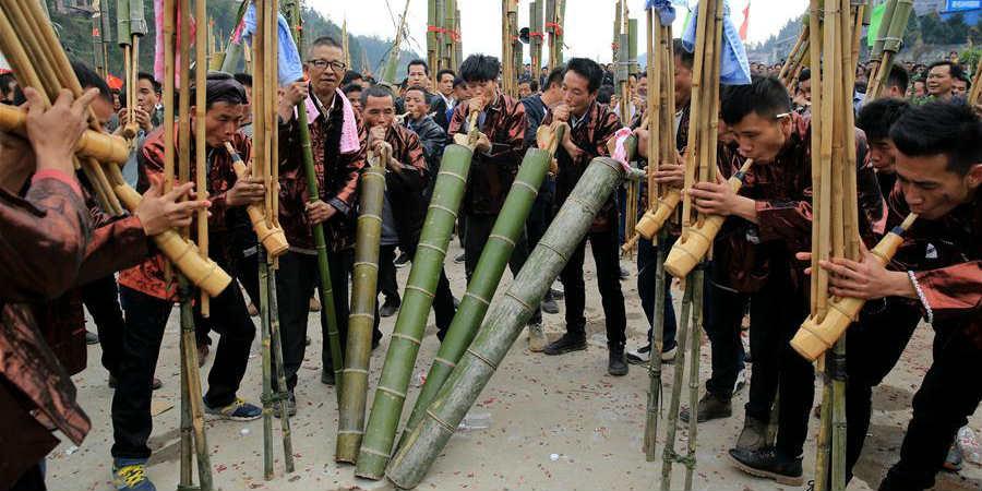 Trupes de músicos participam de concurso para celebrar Ano Novo Lunar Chinês em Guangxi