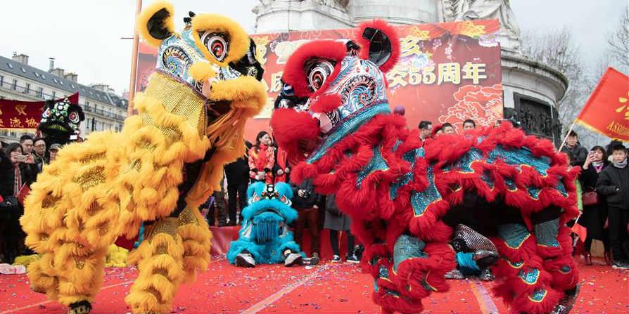 Paris comemora Ano Novo Lunar Chinês