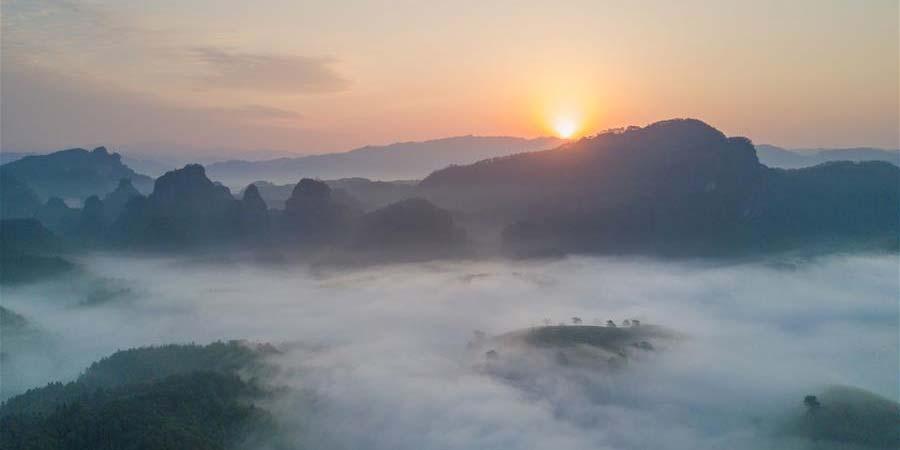 Paisagem da Montanha Wuyi em Fujian, sudeste da China