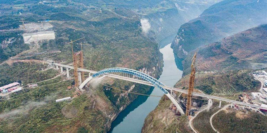 Construção da Ponte Yachihe da ferrovia de alta velocidade Chengdu-Guiyang será concluída no fim de 2019