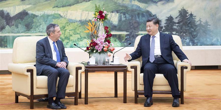 Xi reúne-se com reitor da Universidade de Harvard