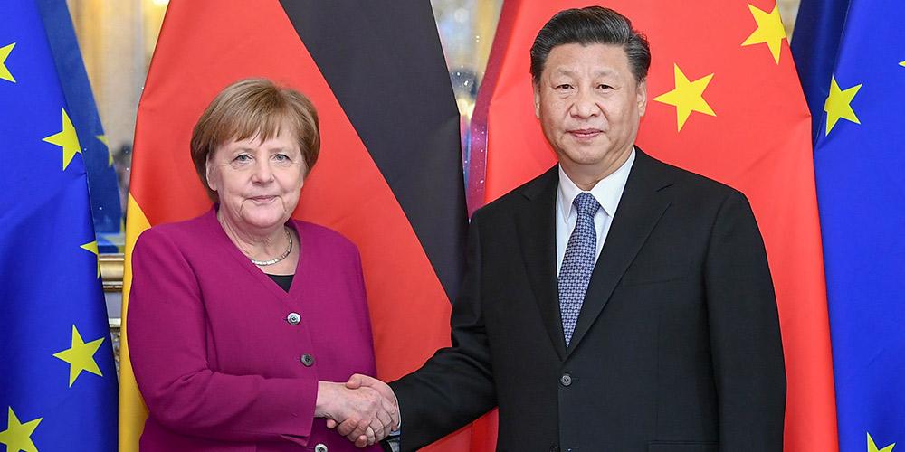 Xi apresenta proposta de três pontos sobre laços China-Alemanha durante reunião com Merkel