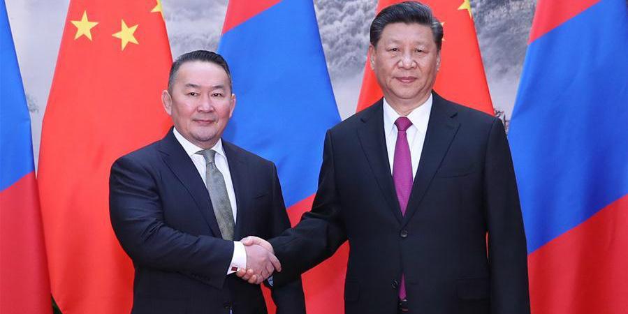(Cinturão e Rota) Xi Jinping reúne-se com presidente da Mongólia